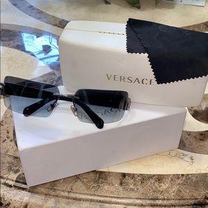 Versace MOD 2017 black sunglasses